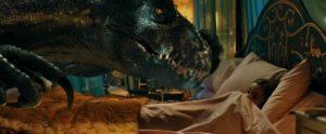 Сцена вJurassic World: Fallen Kingdom,где Индораптор пробирается в детскую комнату