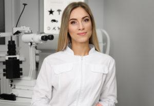 Врач офтальмолог